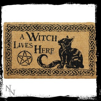 rohožka A Witch Lives Here